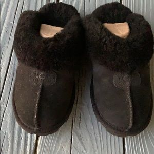 Uggs slippers 7